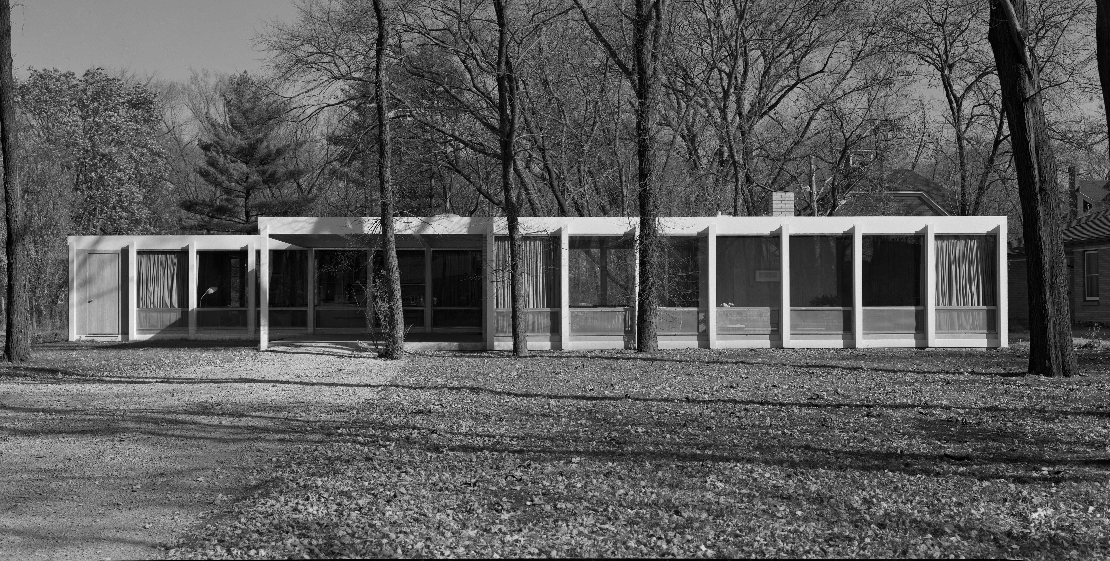 Mies van der Rohe's McCormick House on 299 Prospect Avenue